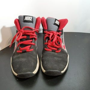 Nike shoes Size 2Y